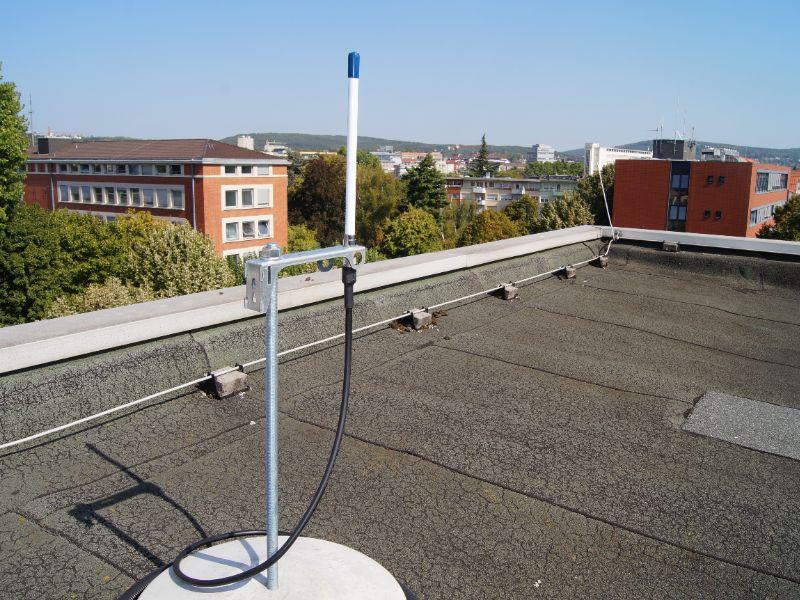 LoRaWAN-Antenne auf einem Gebäude der Stadtwerke Saarbrücken