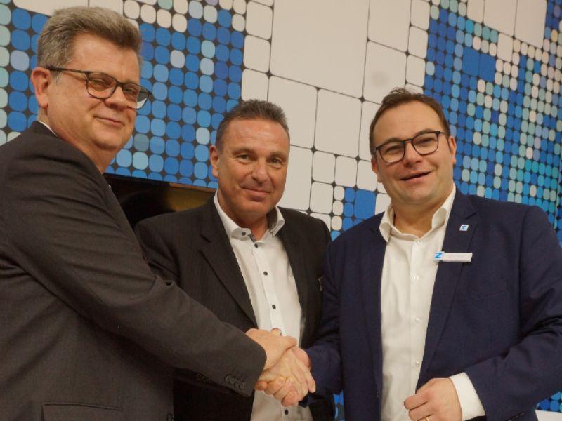 Dr.-Ing. Thomas Severin, Sprecher der Geschäftsführung der Stadtwerke Saarbrücken GmbH, Peter Backes, Geschäftsführer der co.met GmbH, und Sascha Schlosser, Geschäftsführer der ZENNER International GmbH & Co. KG (von links)
