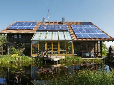 Photovoltaik und Elektroauto zu kombinieren lohnt sich