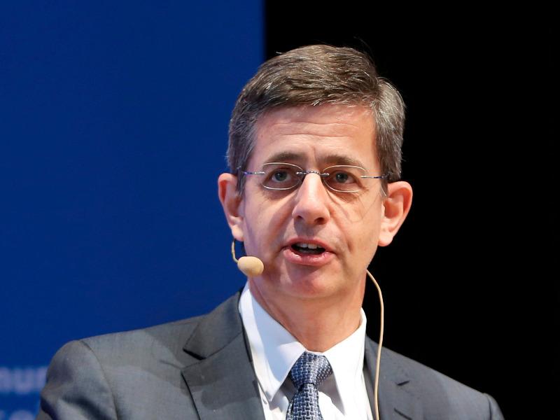 Dr. Peter Heuell zur erfolgreichen Zertifizierung