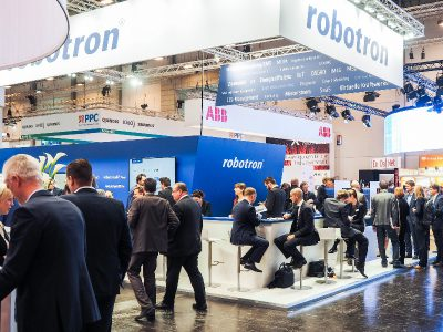 E-world-Messestand von Robotron, Spezialist für Energiedatenmanagement