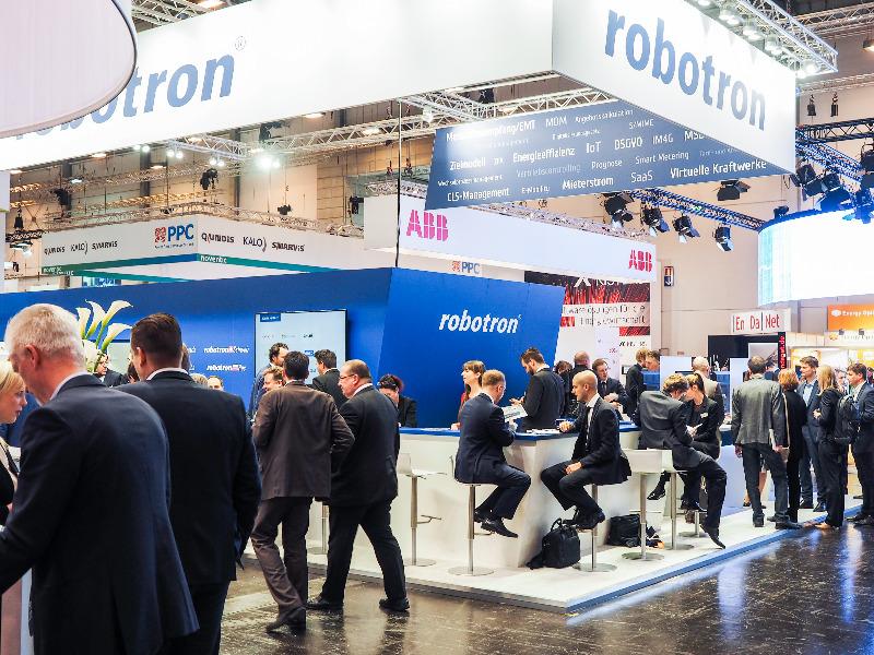 E-world-Messestand von Robotron, Spezialist für Energiedatenmanagement