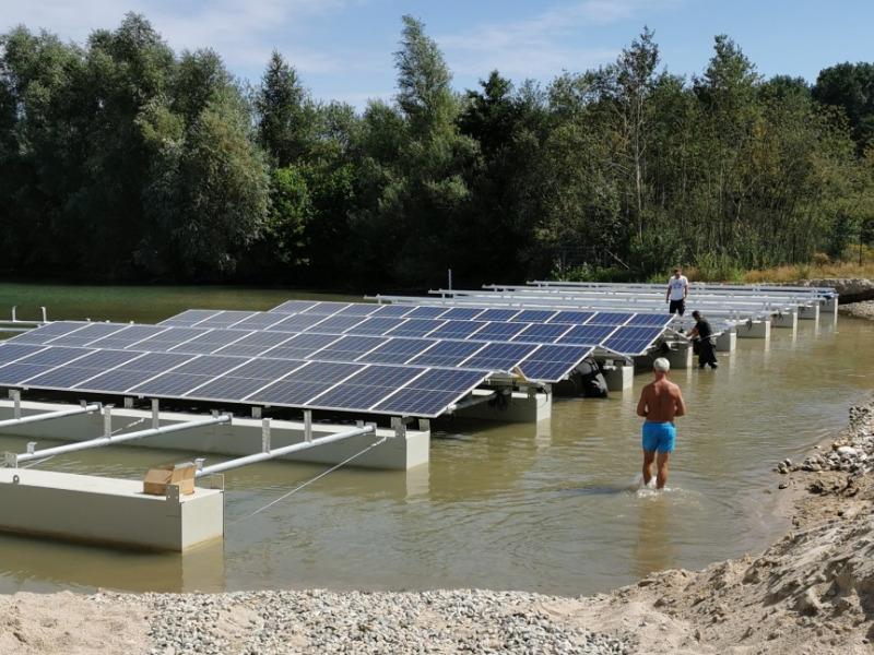 Floating-Solaranlage